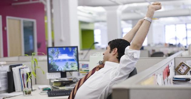 打工仔長用電腦手機 3招紓緩手痹頸痛